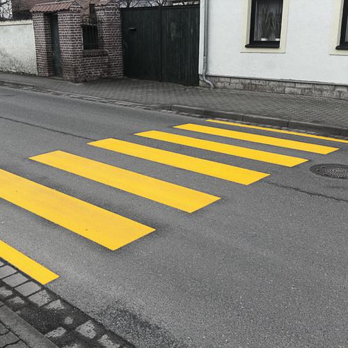 Medium thermoplastik zebrastreifen gelb