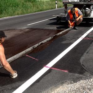 Small fluessig asphalt senkenausgleich